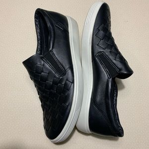 ECCO Womens Soft 7 Black Woven Sneakers Size 9